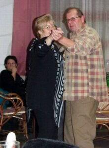 Na druhé fotografii je antisklerotička Naďa Frýdek spolu s Milanem Allamat další člen CBCS.